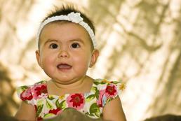 Ssanie kciuka u niemowlaka - dlaczego, co robic?
