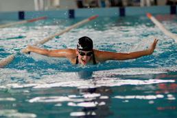 Jak wyrobić kartę pływacką?
