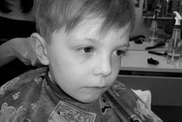 Kiedy pierwsza wizyta u fryzjera z dzieckiem?
