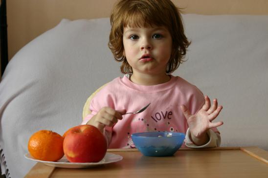 Brak apetytu u dziecka - przyczyny, co robić?