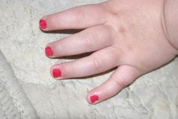 Jak malować paznokcie dzieciom?