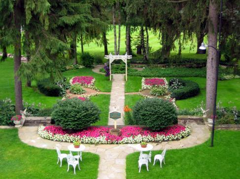 Ogród francuski - cechy charakterystyczne, jak zaprojektować?