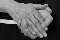 Jak wykonać masaż dłoni? Krok po kroku