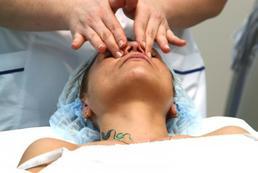 Jak wykonać masaż oczu?