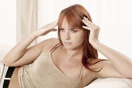 Jak radzić sobie z nawracającym bólem głowy?