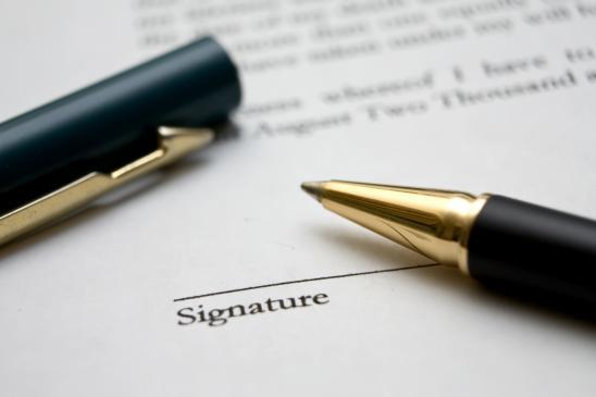 Umowa z biurem podróży - na co zwrócić uwagę?