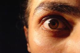 Lęk przed ludźmi - objawy, jak sobie poradzić?