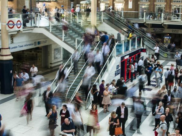 Znieczulica społeczna - na czym polega?