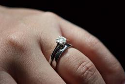 Niepewność po zaręczynach - jak sobie radzić?