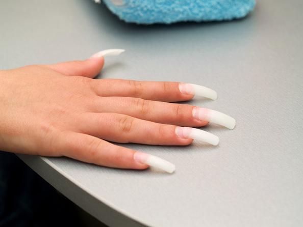 Czy można zrobić tipsy na obgryzione paznokcie?