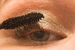 Złoty makijaż - krok po kroku