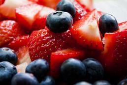 Owoce, warzywa we lipcu - jakie kupować?