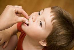 Jak uczyć dziecko samodzielnego jedzenia, picia?