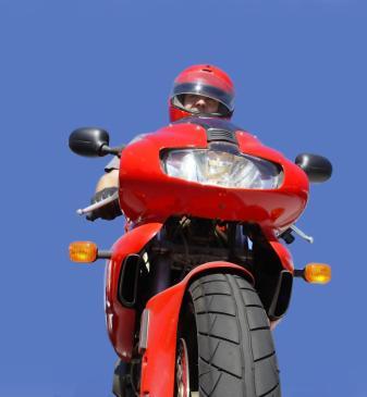 Jakie wybrać oświetlenie do motocykla?