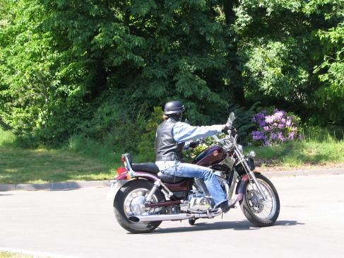 Ochrona motocyklisty: żółwie, buzery, zbroje motocyklowe