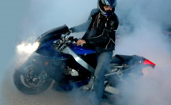 Widoczność motocyklisty - co zrobić, aby być widocznym na drodze?