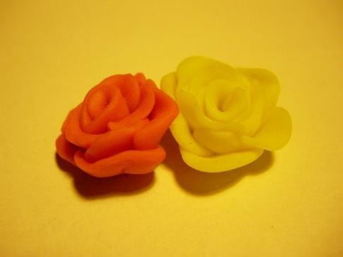 Jak zrobić różę z modeliny? Krok po kroku