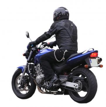 Jak jeździć motocyklem w deszczu?