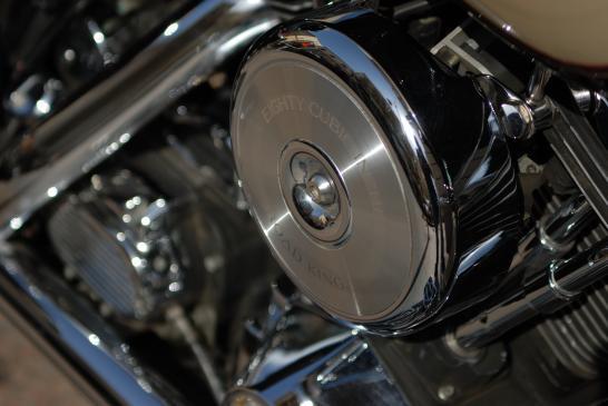 Olejarka do łańcucha motocyklowego - jak używać?