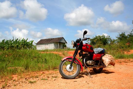 Zagrożenia na drodze podczas jazdy na motocyklu