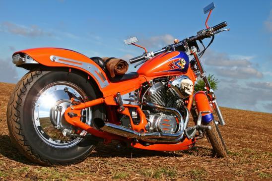Jazda motocyklem po koleinach