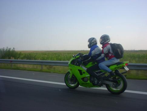 Jak bezpiecznie jeździć motocyklem?