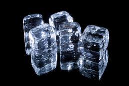 Masaż lodem - działanie, wskazania, przeciwwskazania