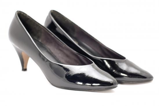 Konserwacja i dbanie o buty z zamszu, skóry, sandały, szpilki