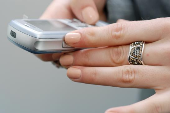 Jak płacić telefonem komórkowym? Płatności mobilne