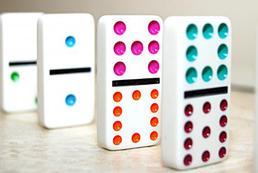 Kieliszkowe domino - jak wykonać?
