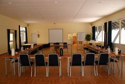 Jak znaleźć salę szkoleniową za darmo?