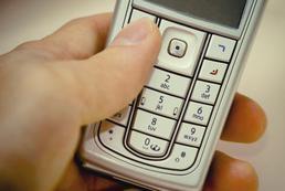 Jak oszczędzać na połączeniach mając dwa numery?