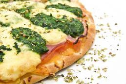 Czym przyprawić pizzę?
