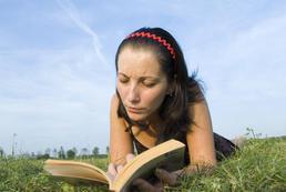 Wady i zalety nauki języka w szkole językowej