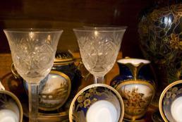 Jak oczyścić starą porcelanę?