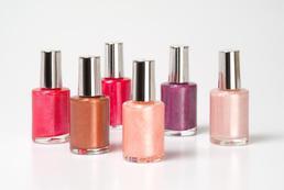 Jak najlepiej przechowywać lakiery do paznokci?