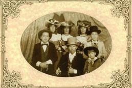 Jak pozować do zdjęcia rodzinnego?