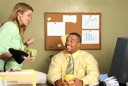 Czy warto mieć romans w pracy?